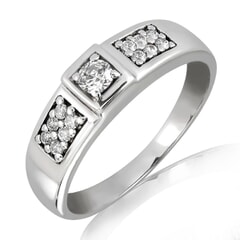 18K Gold and 0.28 Carat F Color VS Clarity Lady's Diamond Band