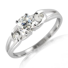 18K Gold and 0.35 Carat F Color VS Clarity Diamond Ring