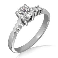 18KT Gold and 0.26 Carat E Color VVS2 Clarity Diamond Ring