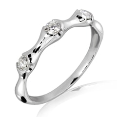 18K Gold and 0.22 Carat F Color VS2 Clarity Diamond Ring