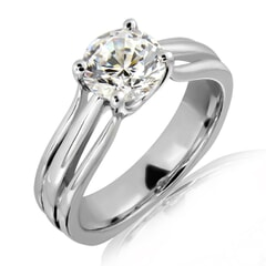 Preeda - 18k Gold and 0.30 carat Solitaire Engagement Diamond Ring with Certificate