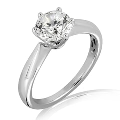 18k Gold and 0.30 carat Solitaire Engagement Diamond Ring with Certificate