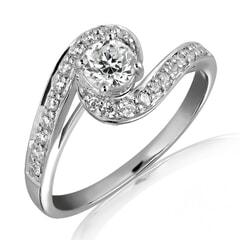 18K Gold and 0.50 Carat E Color VS1 Clarity Diamond Ring