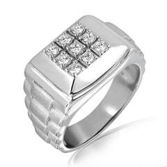 18K Gold and 0.23 Carat E Color and VS2 Clarity Diamond Designer Band
