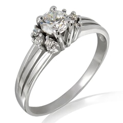 18K Gold and 0.35 Carat E Color VS1 Clarity Diamond Ring